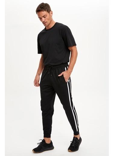 DeFacto Şeritli Slim Fit Jogger Eşofman Altı Siyah